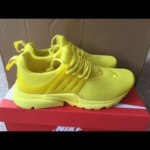 Shoes - Women's Nike Air Presto